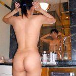 自宅やラブホの洗面所で身支度する女性の無防備なお尻を盗撮エロ画像