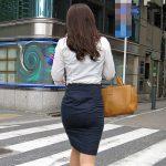 オフィスレディのパツパツなタイトスカートを街撮りしたOL尻エロ画像